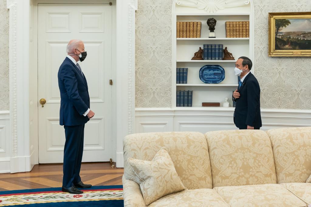 Biden y primer ministro japonés comprometidos a enfrentar retos sobre China