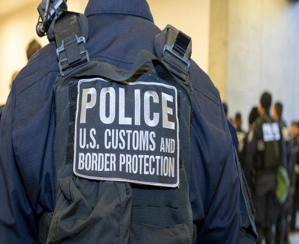 Autoridades de Texas investigan deceso de indocumentado bajo custodia policial