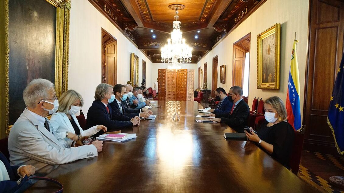 Misión de la UE de visita en Venezuela se reúne con las autoridades