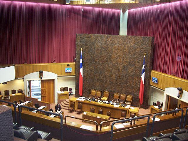 Senado chileno aprueba proyecto de ley que permitirá el matrimonio igualitario