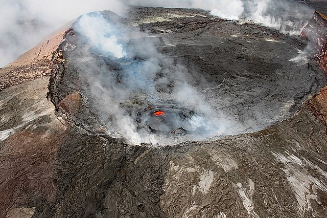 Emiten alerta Volcán Kilauea entra en erupción en Hawái