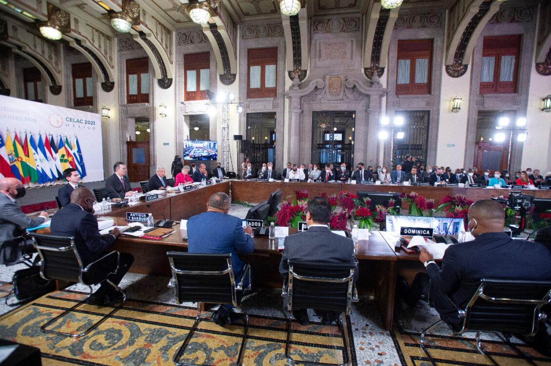 Presidente mexicano propone nuevo bloque regional similar a Unión Europea